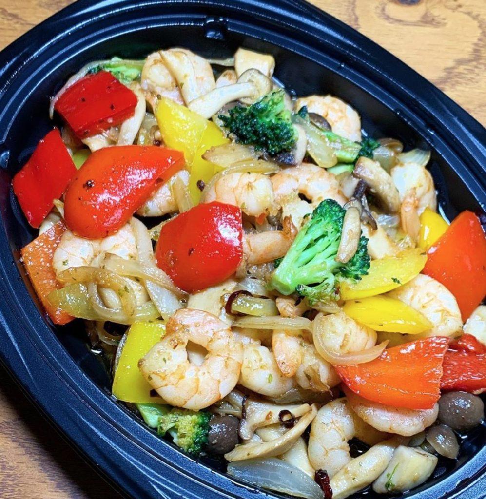 ぷりぷり海老とキノコ、野菜のソテー