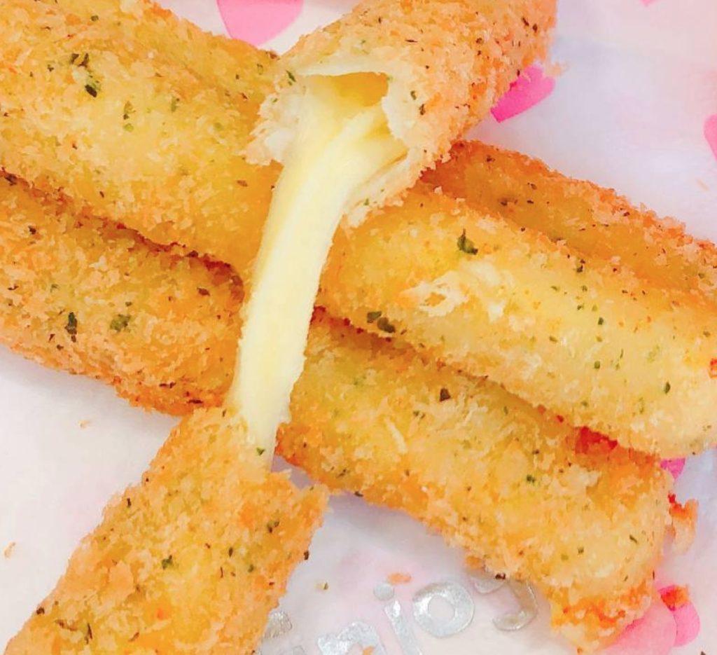 のび~るチーズスティック