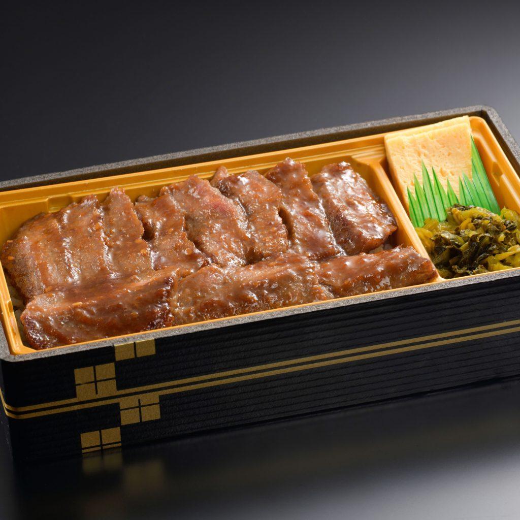 ■牛ステーキ重 1200円(税込1296円)