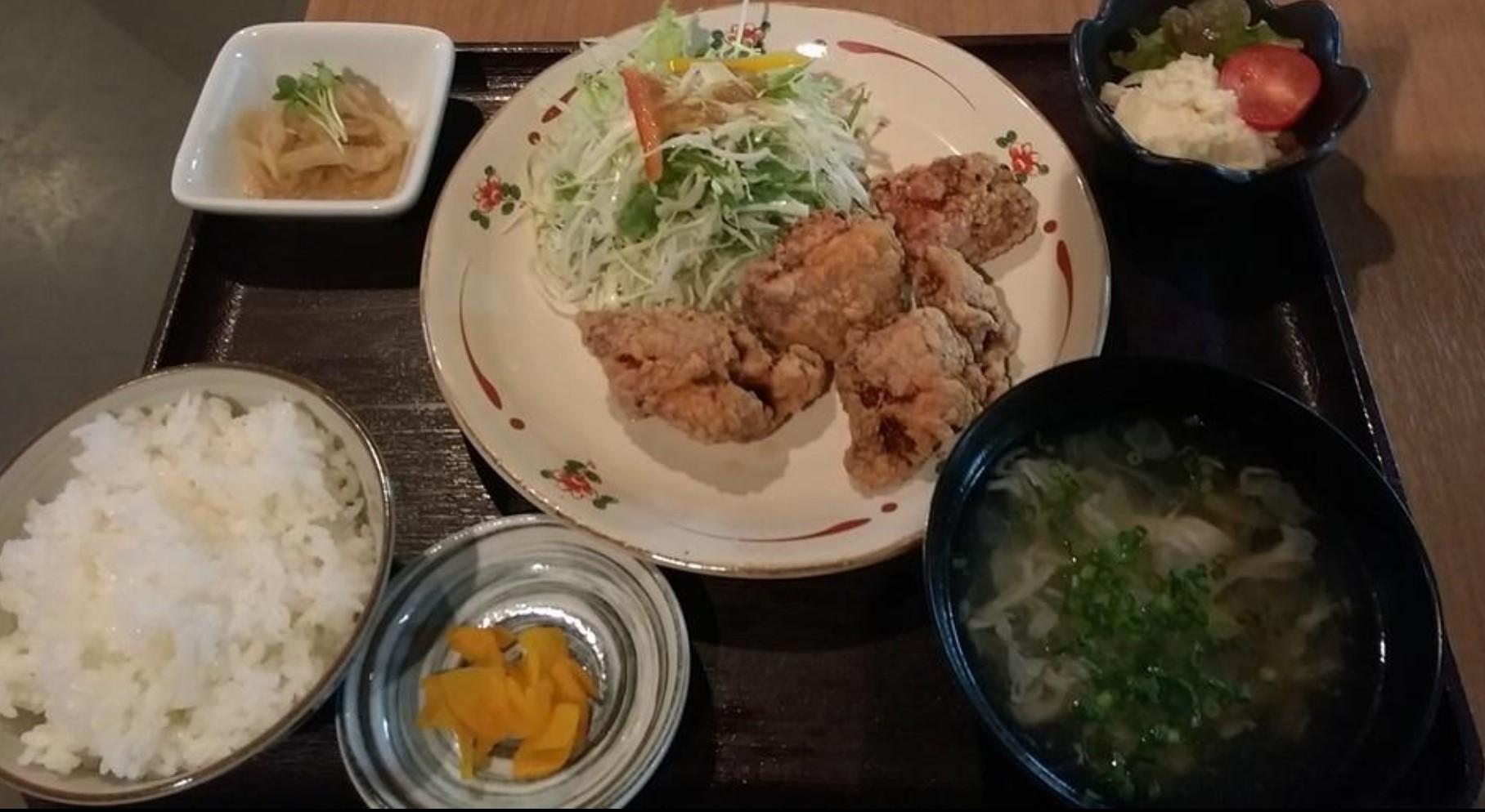 【熊本市北区四方寄町】串ダイニング 笑家のテイクアウト情報!人気ランチ定食がお弁当で登場!